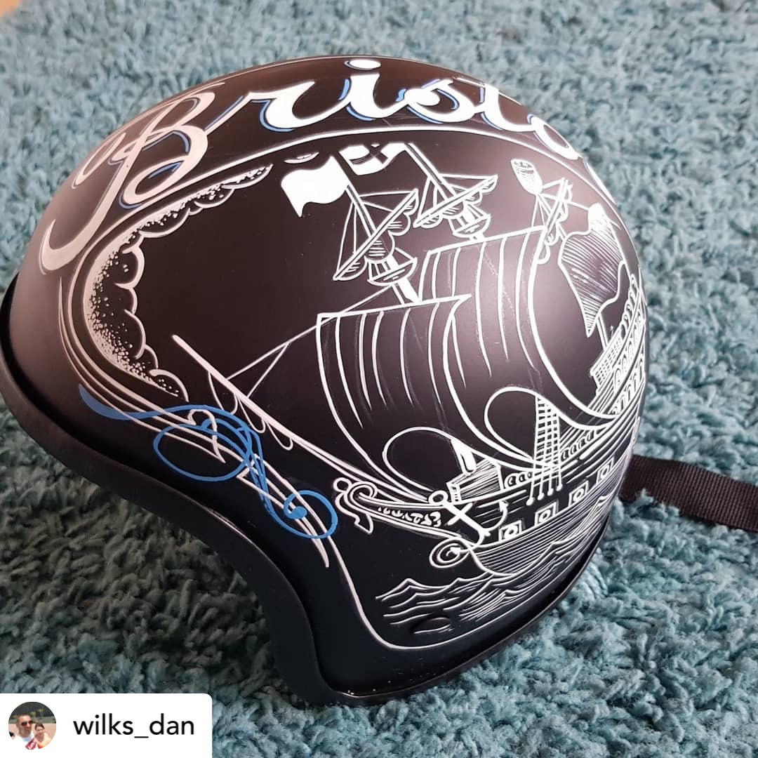 Hand painted helmet Alpha 6 paint @wilks_dan